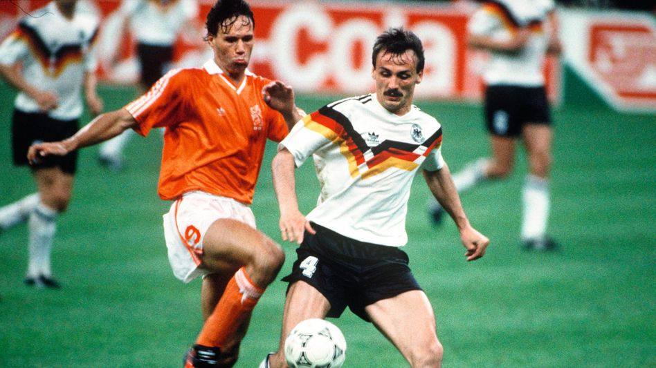 Marco van Basten (links), Jürgen Kohler