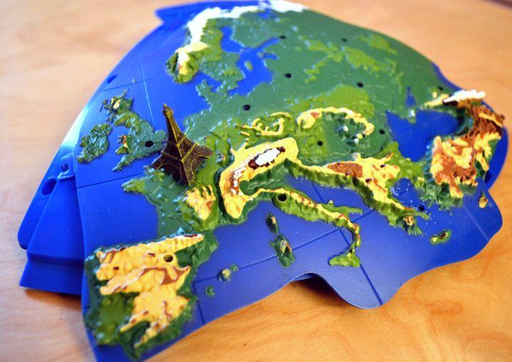 Erster Teil des 3D-Globus: Wer ihn komplett haben will, muss ein paar gefühlte Erdzeitalter warten