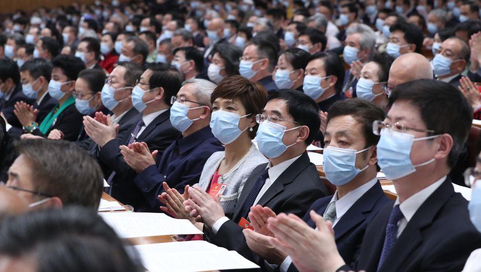 """Delegierte des Volkskongresses in Peking: """"Außergewöhnliche Maßnahmen für ungewöhnliche Zeiten"""""""