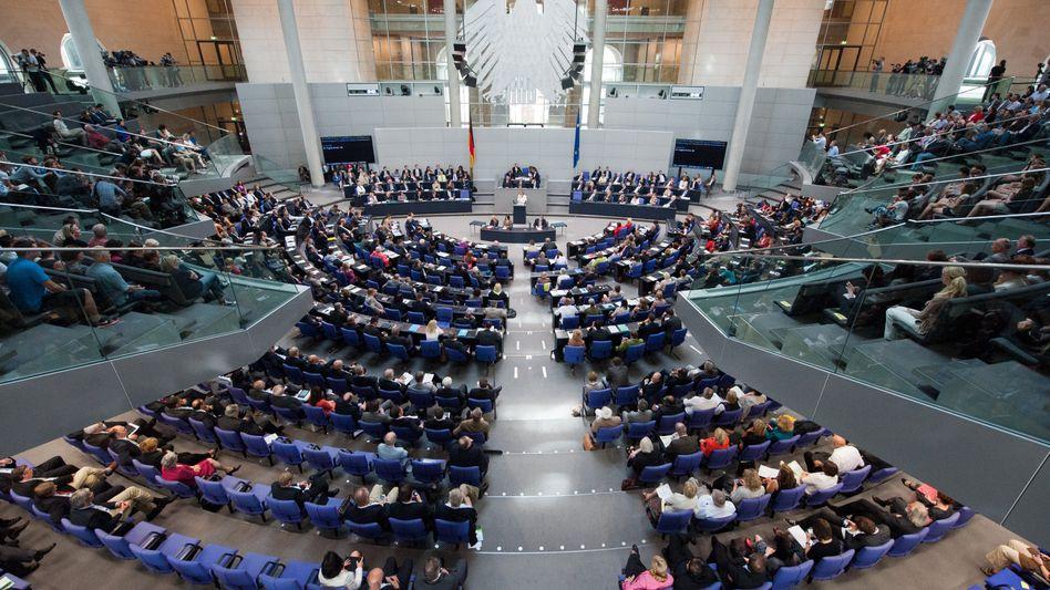 Sitzung im Bundestag: Besser als die mündliche Variante , immer mittwochs