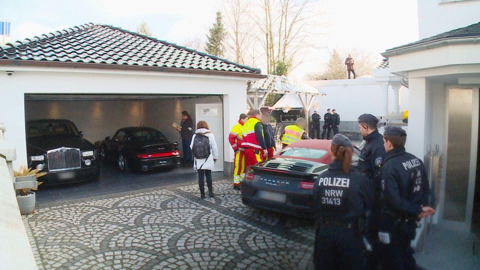 Durchsuchung in Leverkusen