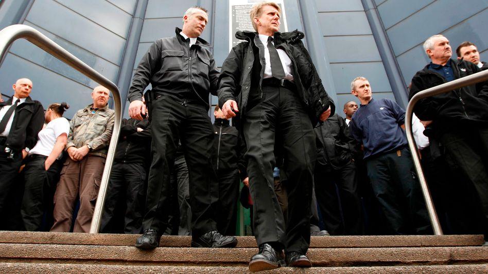 """Wachleute vor privatisiertem Gefängnis in Birmingham: """"Festsitzender Rassismus"""""""