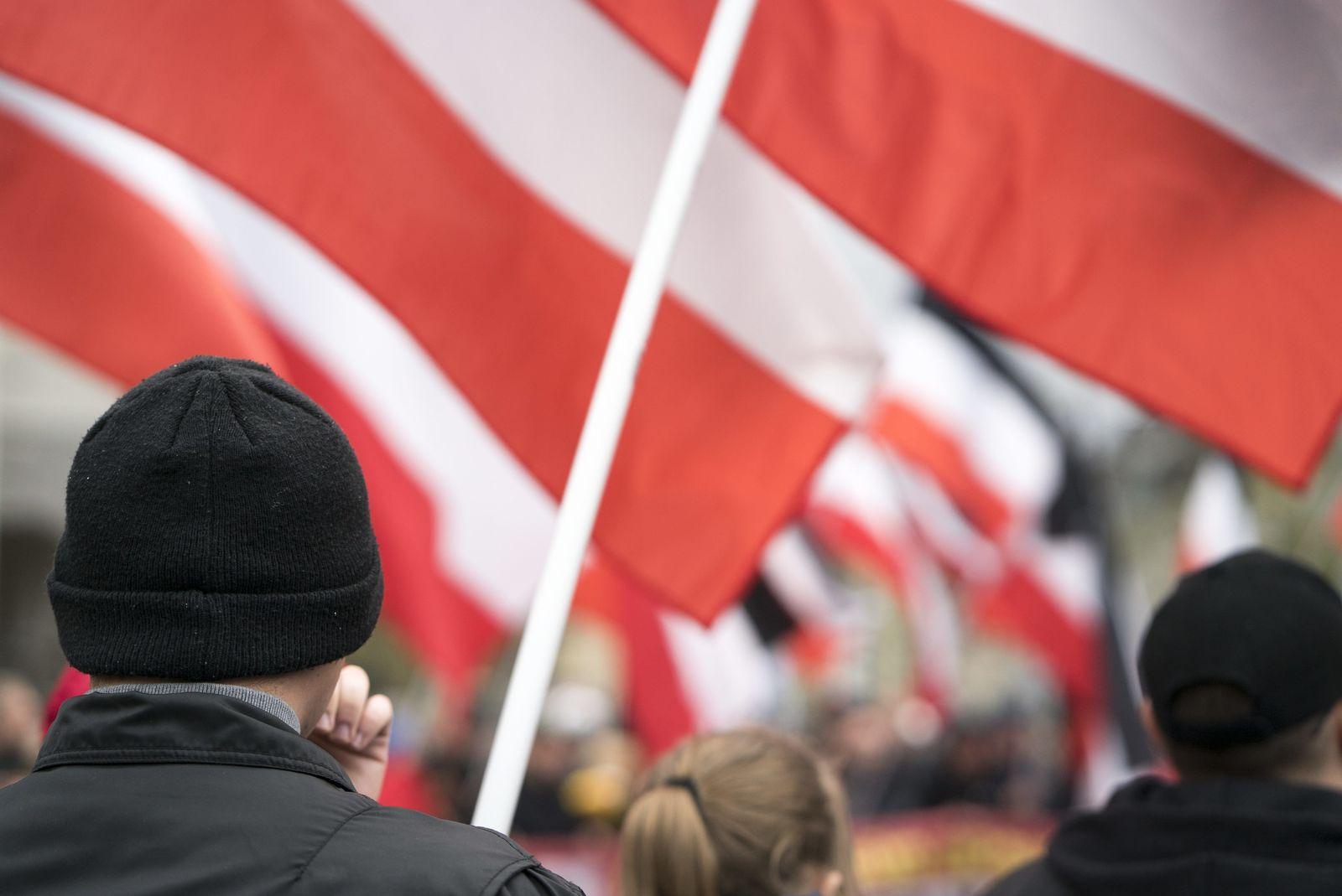 """EINMALIGE VERWENDUNG Neonazi-Partei """"Die Rechte"""""""