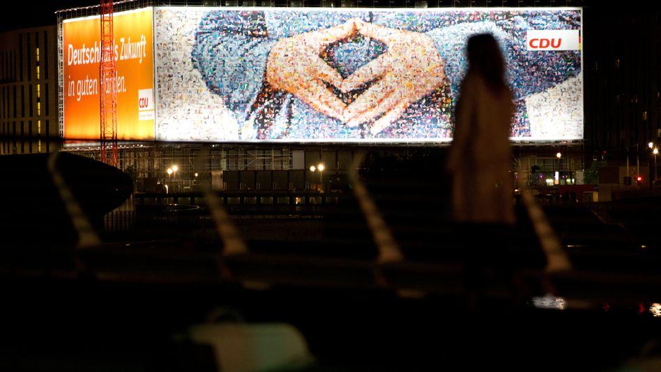 CDU-Wahlplakat in Berlin: Positive Auswirkungen auf das jeweilige Chakra