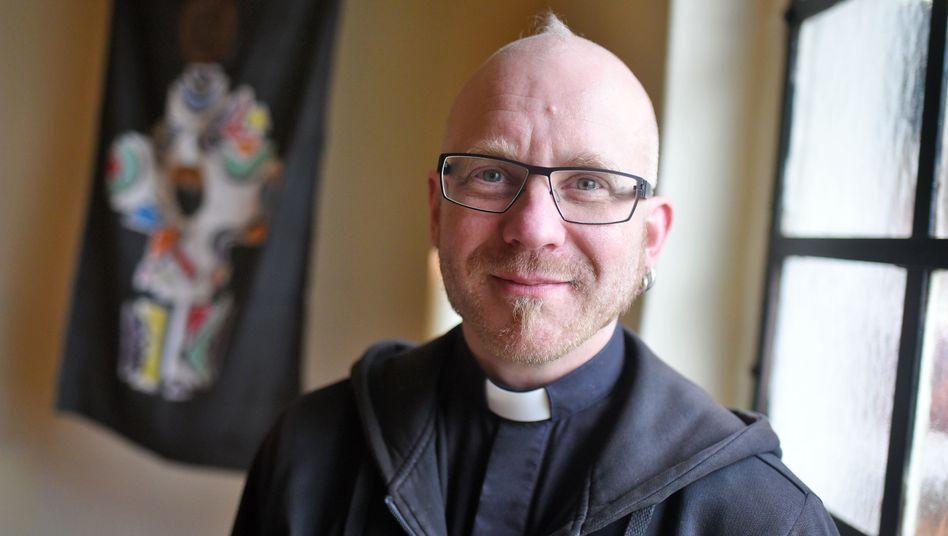 Pastor Ines-Paul Baumann