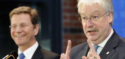 Guido Westerwelle, Jörg-Uwe Hahn: Gewachsene Ansprüche