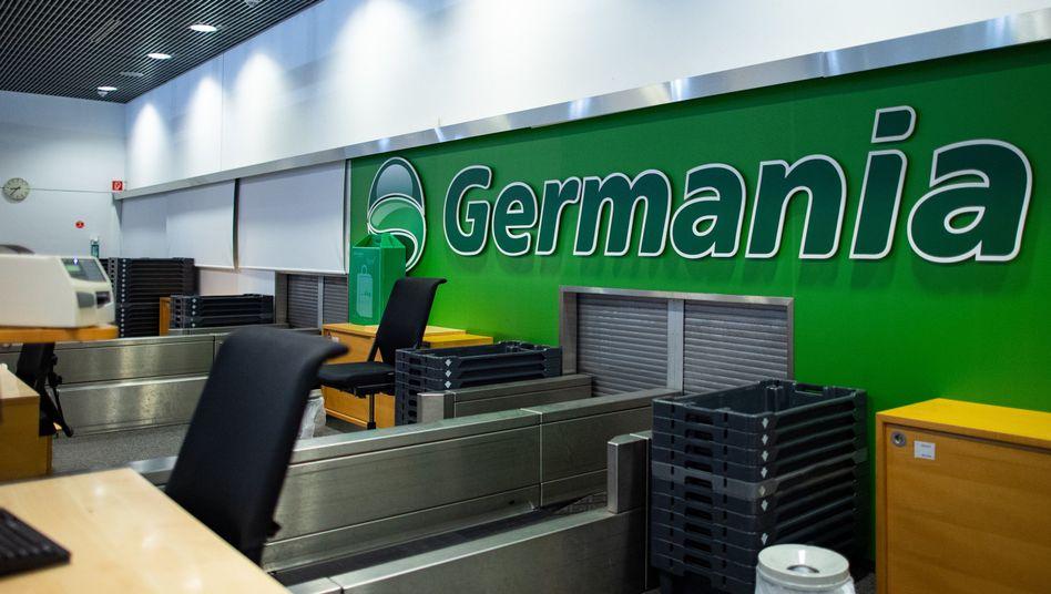 Germania-Schriftzug am Flughafen Münster/Osnabrück