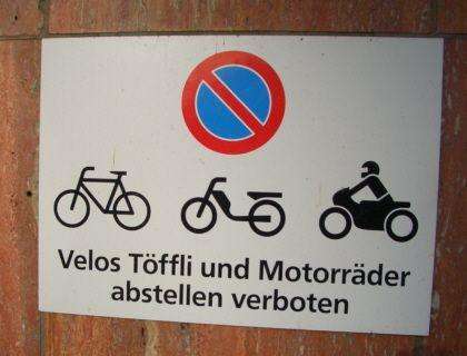 Velos und Töffli - im Schweizer Verkehr findet sich der Deutsche nicht immer zurecht
