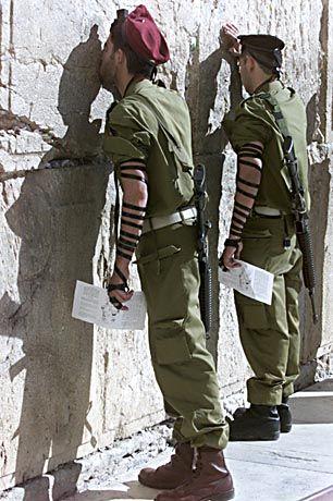 Israelische Soldaten an der Klagemauer