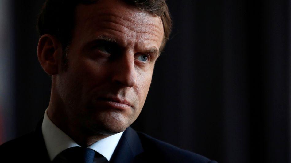 Hassobjekt Macron: Nicht der Gesundheitsminister, sondern der Präsident verkündete die Zumutungen, die die Regierung beschloss