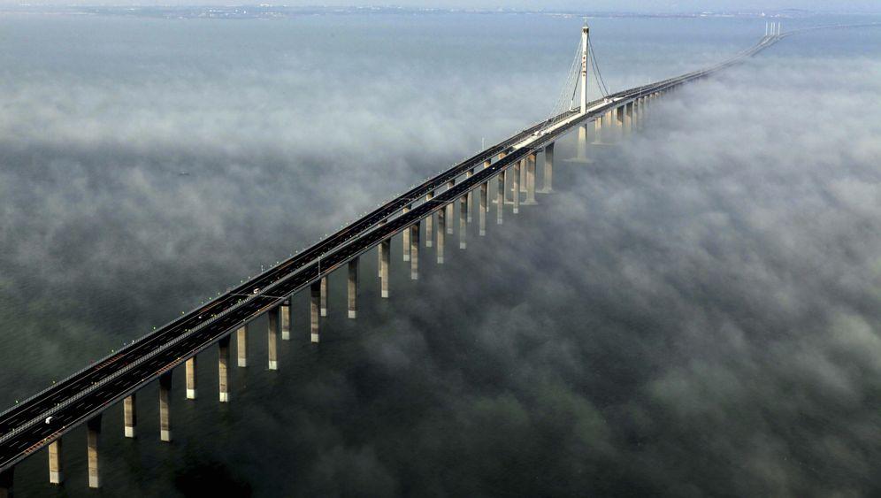 Längste Meeresbrücke: China eröffnet Rekordbau