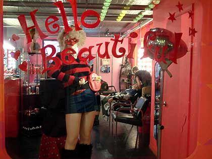 Spielzeugland Williamsburg: Friseurladen im Viertel