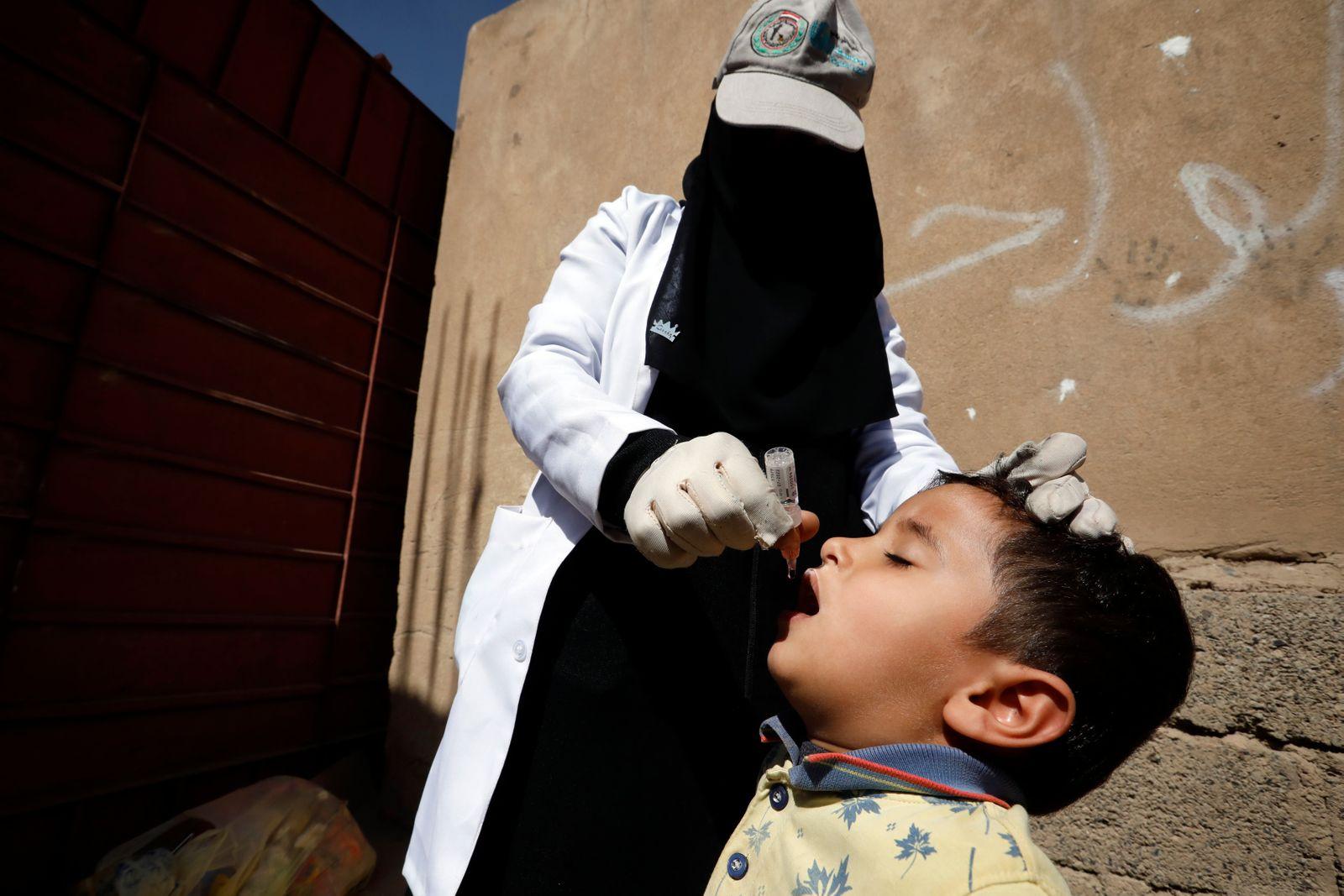Emergency polio vaccination campaign in Yemen, Sanaa - 30 Nov 2020