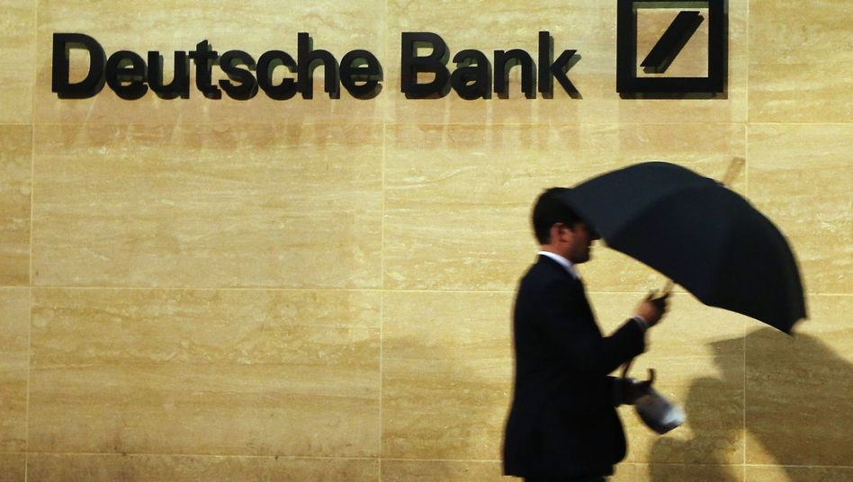 Deutsche-Bank-Logo (Archivbild): Verdacht auf Luftbuchungen