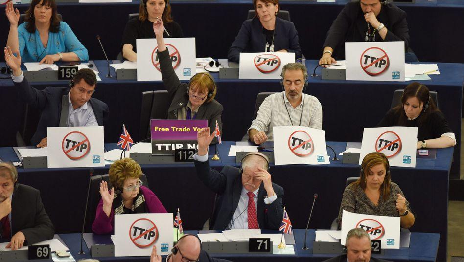 Abgeordnete im europäischen Parlament (Archivbild): Ärger über strengere Geheimhaltung