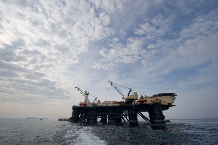 """Pipeline-Verlegeschiff """"Castoro Sei"""" in der Ostsee"""