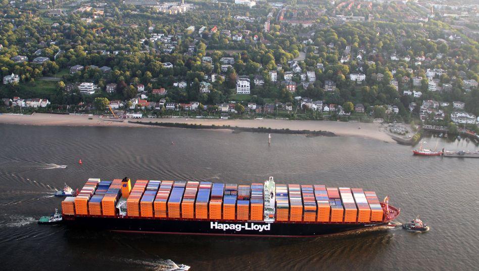 """Containerschiff auf der Elbe: Ausbaggern könnte Fluss """"umkippen"""" lassen"""