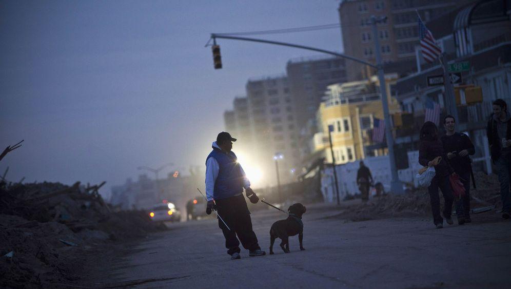 """Aufräumarbeiten nach """"Sandy"""": Kalte Nächte, kurze Tage"""