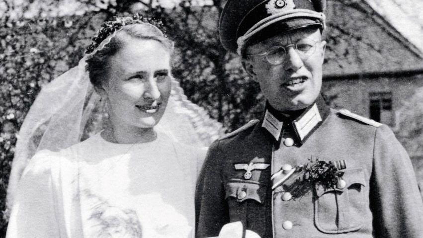 Hochzeitspaar Margarete, Christian Krause 1943: »Führertum gibt Kraft«