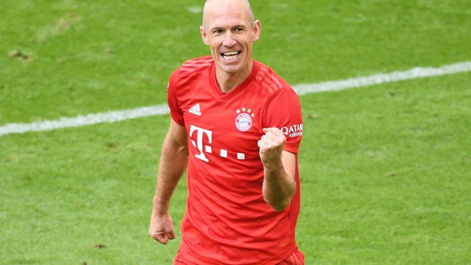 Kann noch nicht ohne Fußball: Arjen Robben hilft seinem Heimatklub in der Coronakrise
