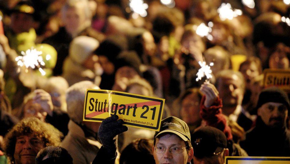 Stuttgart 21 opponents follow referendum results on Sunday evening.