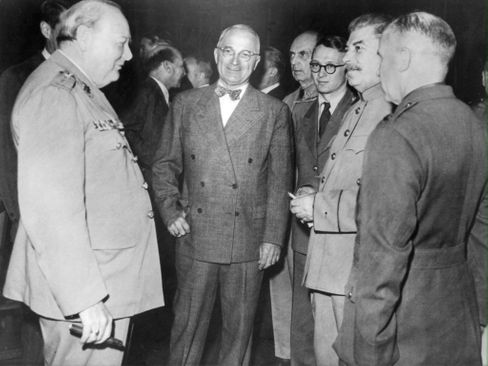 Winston Churchill, Harry S. Truman und Joseph Stalin bei der Potsdamer Konferenz