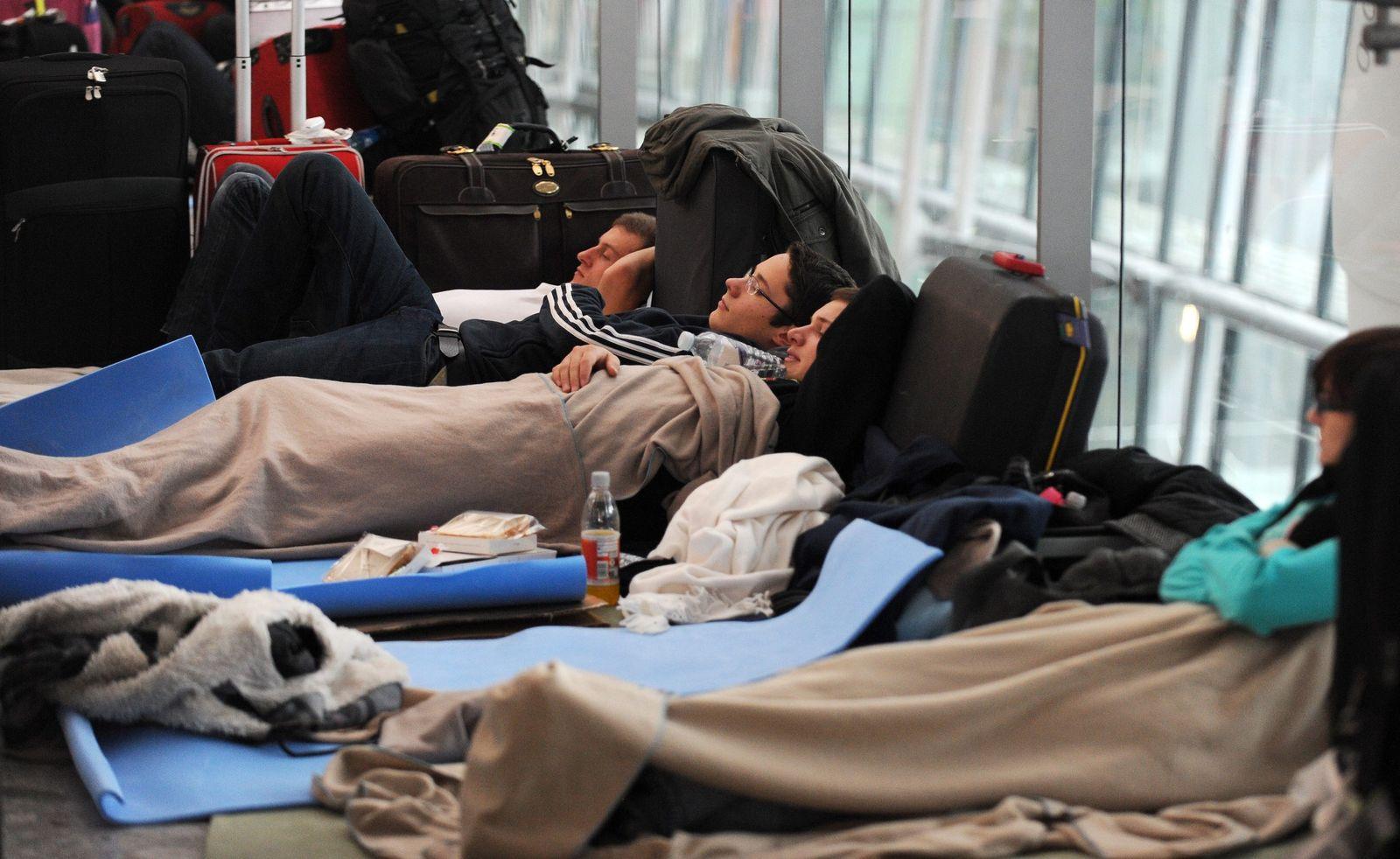 Heathrow, gestrandete Flugreisende