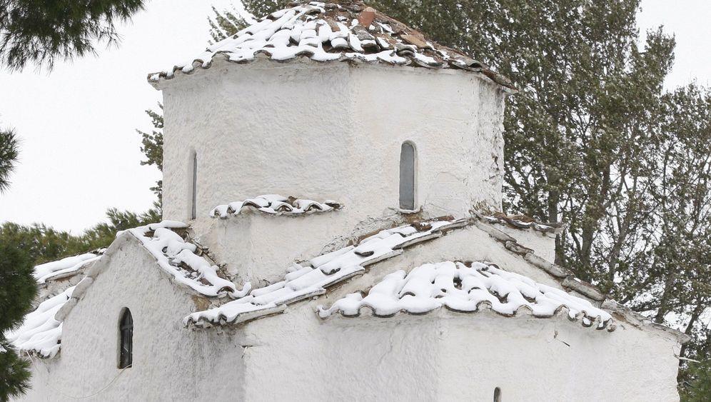 Winterwetter: Schiff kentert vor Israel, Schnee fällt auf Kreta