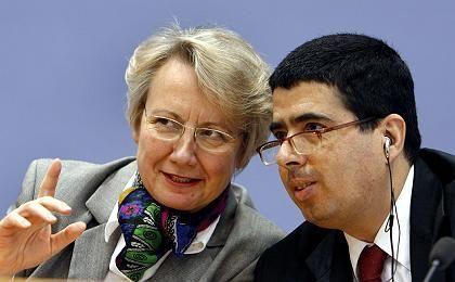 Bildungsministerin Schavan, Sonderberichterstatter Muñoz: Mehr Recht auf Bildung