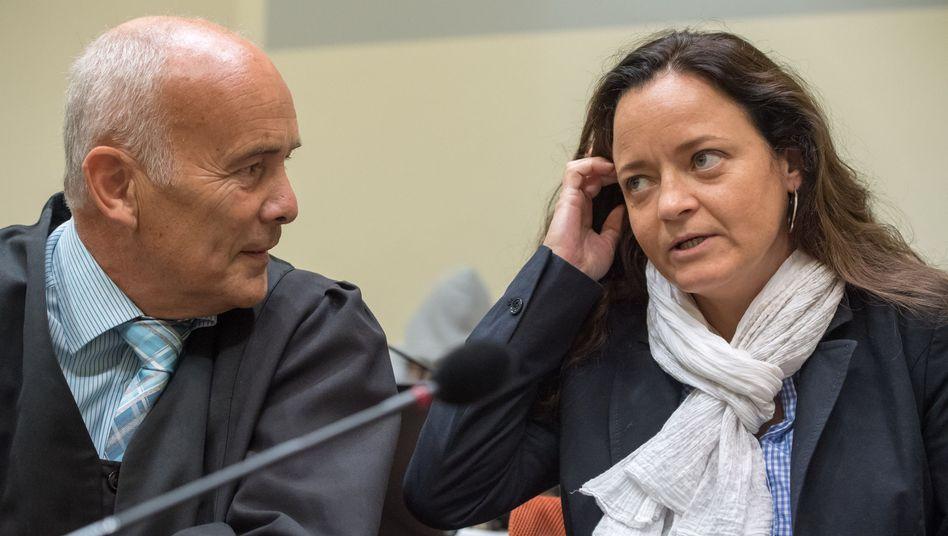 Angeklagte Beate Zschäpe, Wahlverteidiger Hermann Borchert