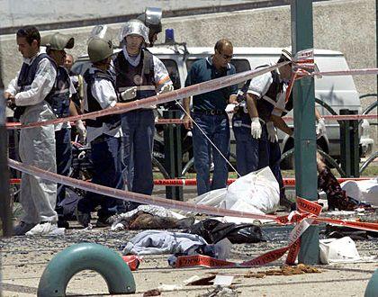 """Attentat im israelischen Netanja (im Mai): """"Land für Frieden"""""""
