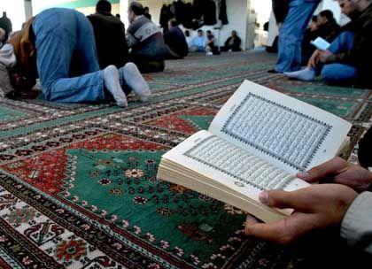 Muslime in Deutschland: Freitagsgebet in Berlin