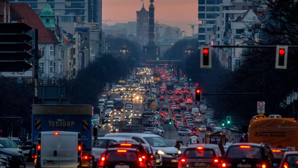 Berufsverkehr in Berlin: Der Senat will den CO2-Ausstoß senken