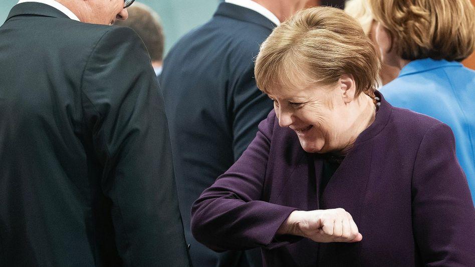 "Krisenpolitikerin Merkel:""Bügeln oder in den Backofen legen"""