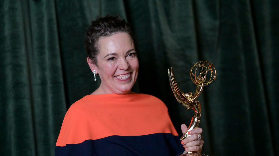 Olivia Colman bei der Preisverleihung: Als Queen Elizabeth II. zum Emmy-Sieg