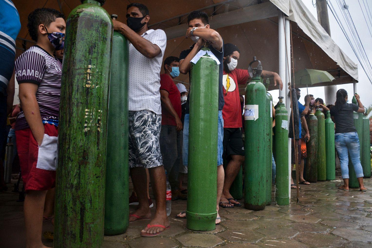 TOPSHOT-BRAZIL-HEALTH-VIRUS-OXYGEN