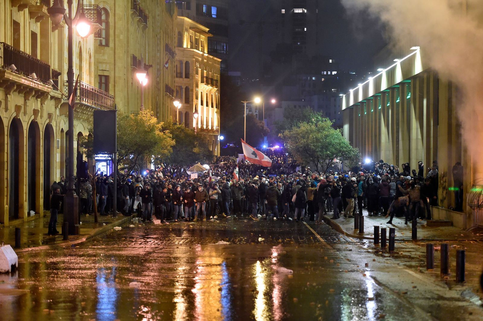 Anti government protests continue in Beirut, Lebanon - 19 Jan 2020
