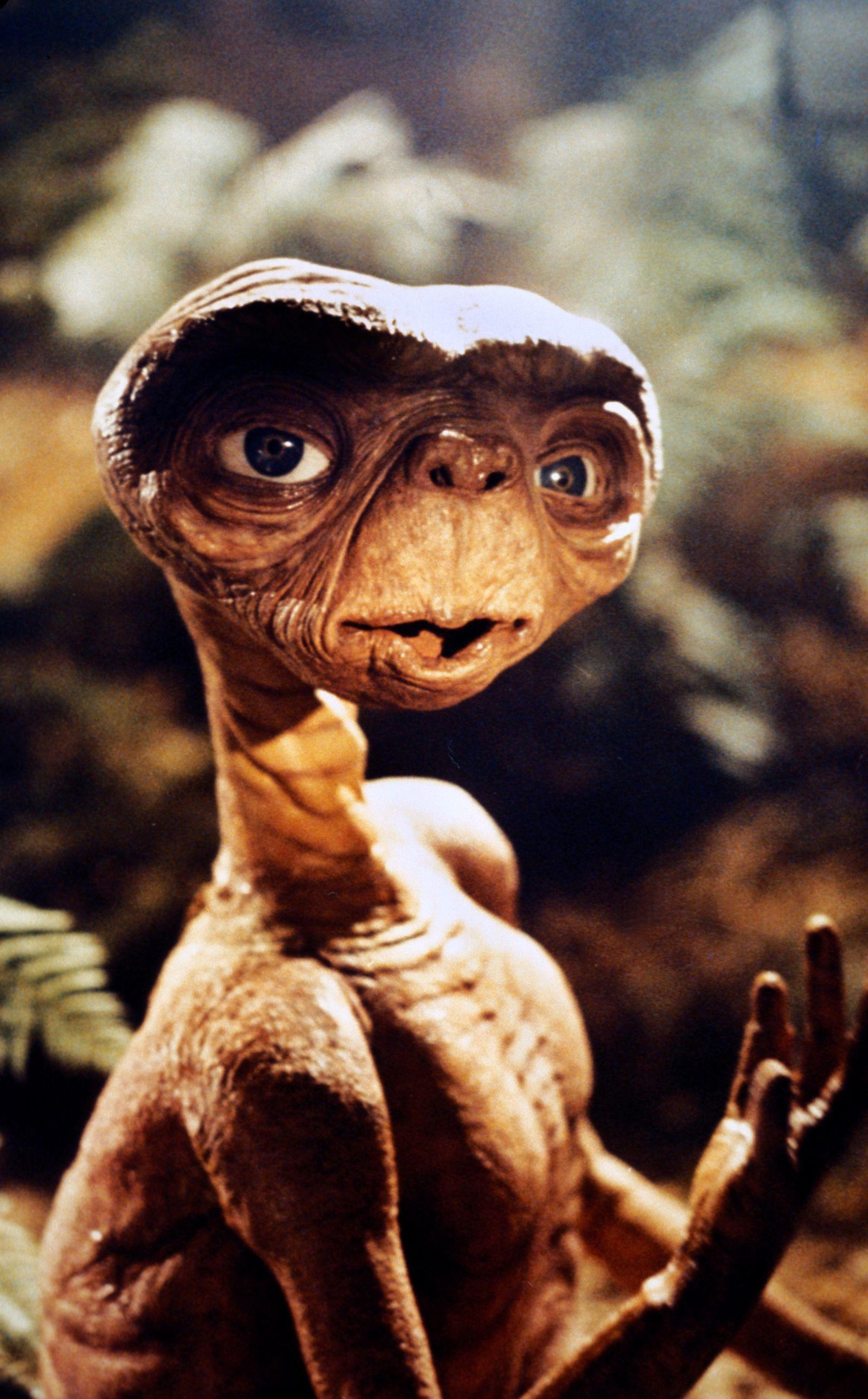 """E.T.: The Extra-Terrestrial"" E.T. 1982 Universal ** I.V."