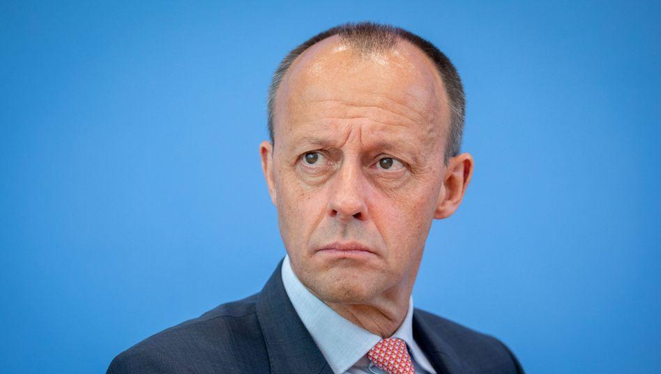 Friedrich Merz: Wie nahe stehen Soldaten und Polizisten der AfD?