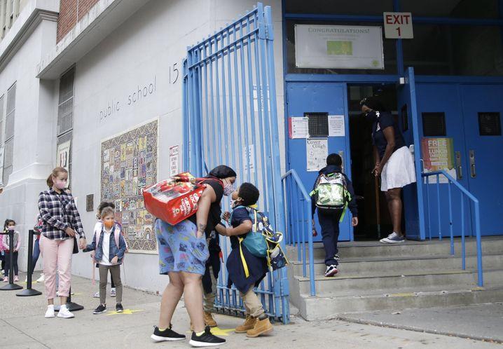 Frauen müssen einspringen, wenn Schulen in der Coronakrise den Unterricht einschränken