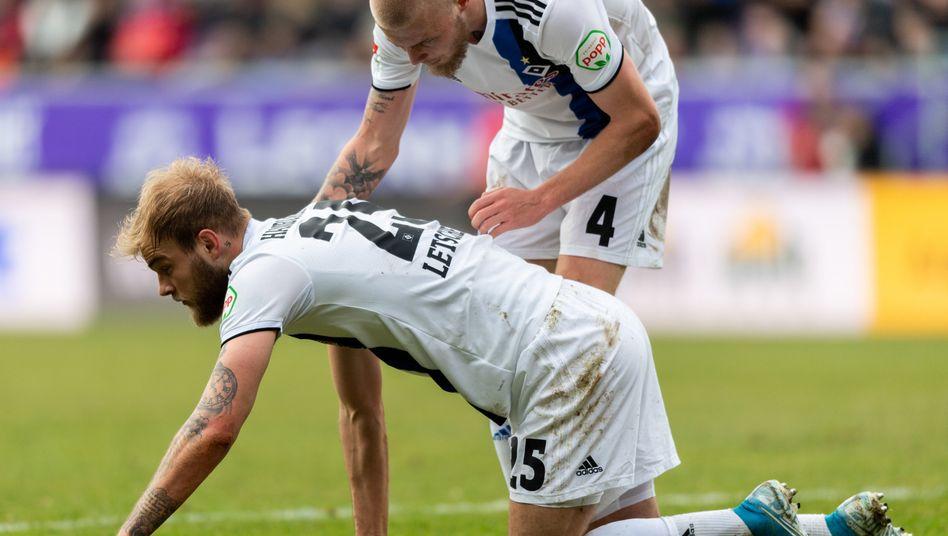 Am Boden: Der HSV verliert nach der Derby-Pleite auch in Aue