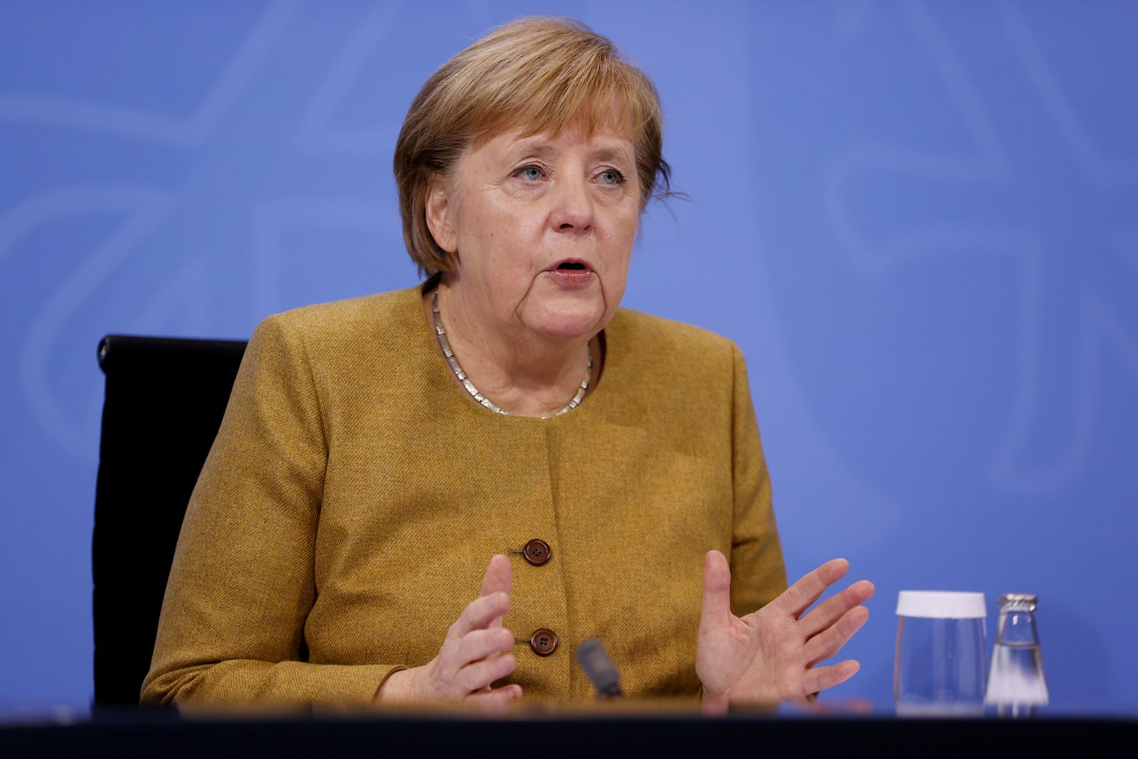 FILE PHOTO: German Chancellor Merkel discuss coronavirus measures with federal state leaders