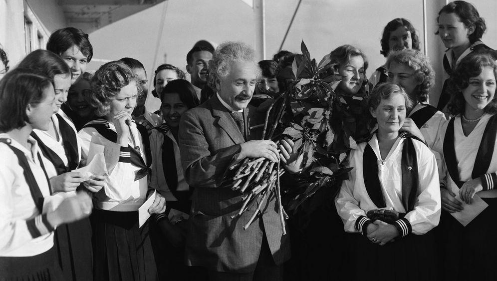 """Einstein und die Frauen: """"Die Liebe macht uns groß und reich"""""""