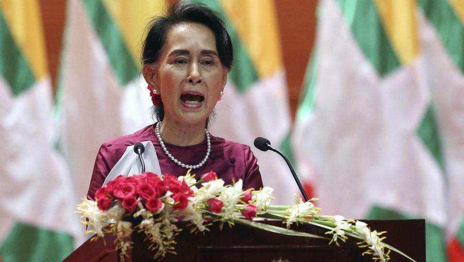 Aung San Suu Kyi in Naypyidaw