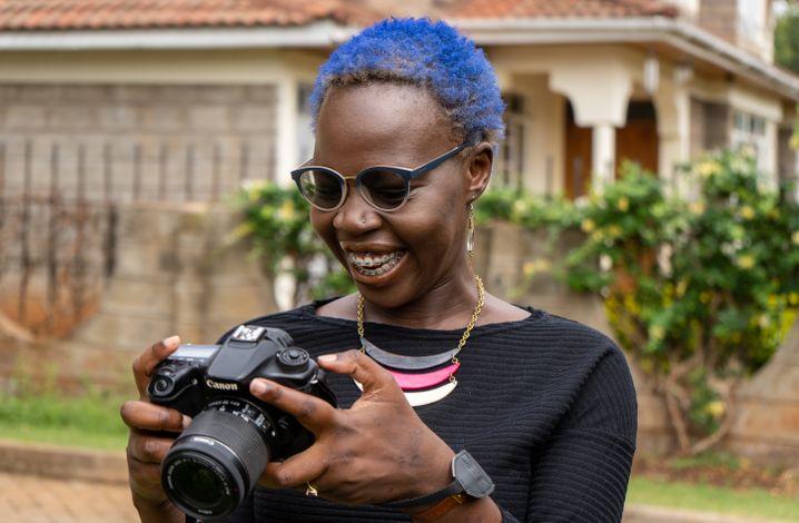 Sophie Otiende lässt inzwischen die Jugendlichen selbst fotografieren – ohne weiße Retter