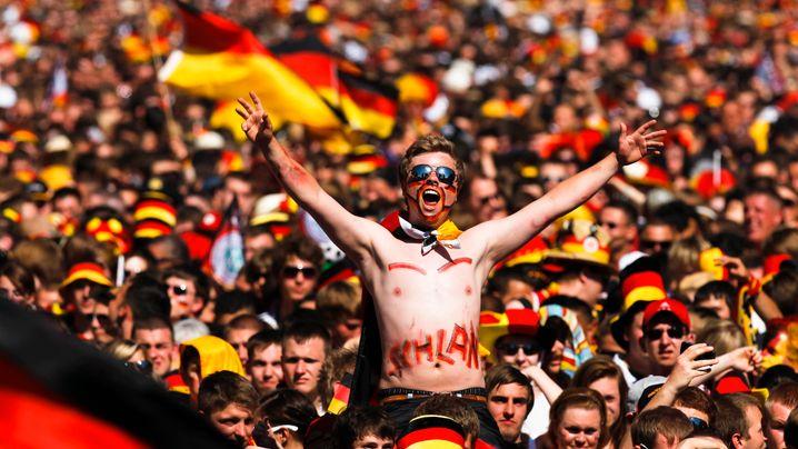 Photo Gallery: Germans Celebrate Football Victory