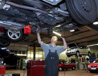Kfz-Mechaniker: Günstigere Reparatur durch billige Ersatzteile