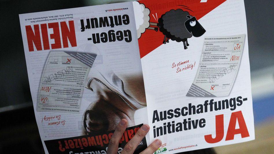 """Broschüre zur Schweizer """"Ausschaffungsinitiative"""": Verfassungsänderung wahrscheinlich"""