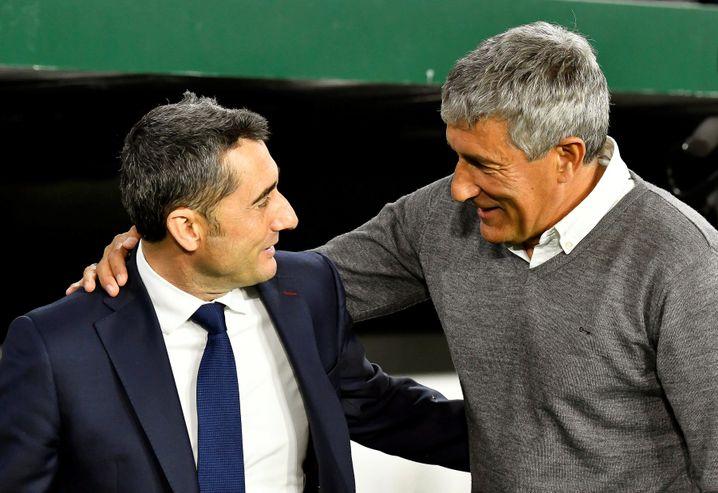 Die Vergangenheit und die Zukunft Barcelonas: Ernesto Valverde (l.) und Quique Setién während der Liga-Partie zwischen Barcelona und Real Betis