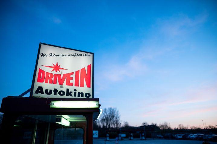 Neben Filmvorführungen finden auch Gottesdienste und Konzerte in den Autokinos statt